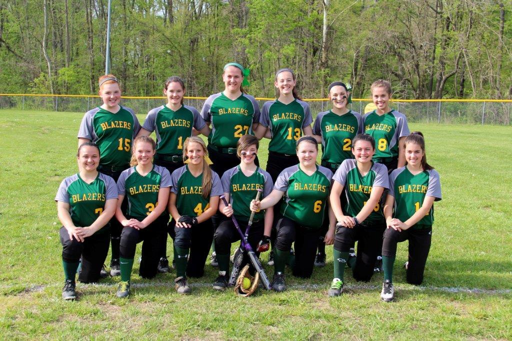 UHAsoftball2016-smile